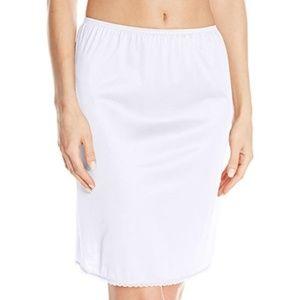 Women's Tailored Anti-Static Half Slip